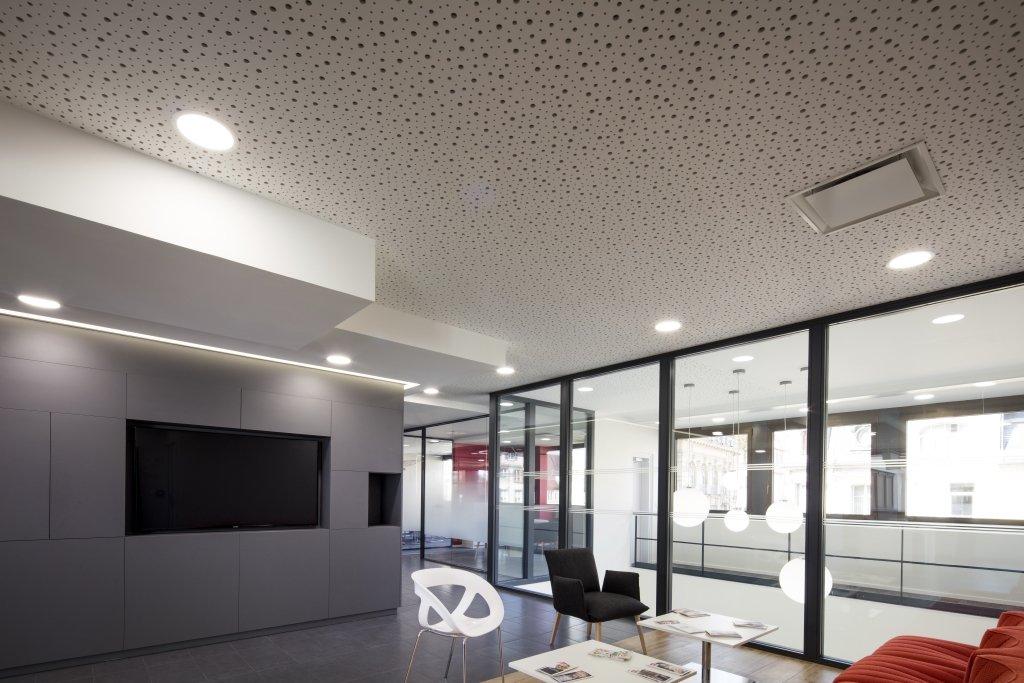 Plafond acoustique non d montable knauf delta uff d cor al atoire mur et plafond pl tre - Plafond pel quadreto caisse epargne ...